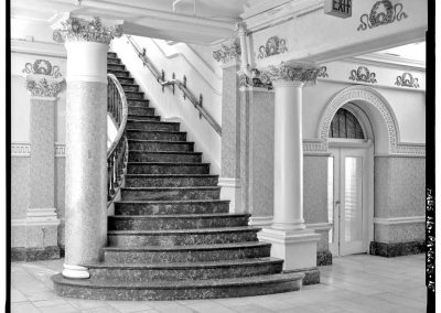 18-historic_b_w-staircase-min