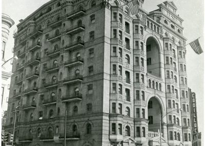 59-historic_43-full-exterior-side-angle-b_w-pic-with-full-signage-min