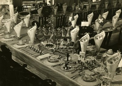 67-historic_51-b_w-close-up-of-banquet-table-set-up-min