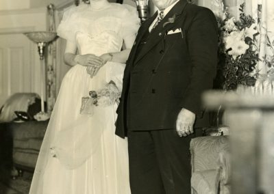 79-historic_65-b_w-photo-of-couple-wife-standing-min