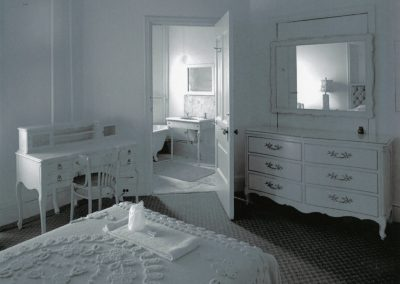 84-historic_70-all-white-guest-room-min