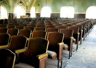 15-current_color-pic-of-chairs-in-chapel-min