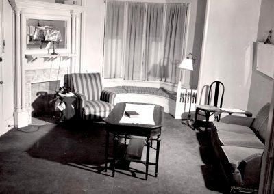 49-historic_31-sitting-room-min