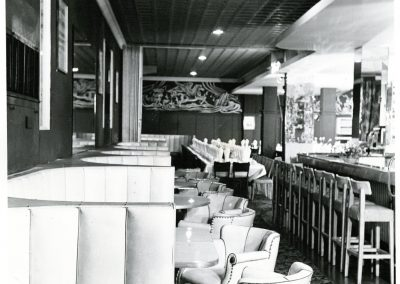 54-historic_36-f_b-outlet-with-booths-tables-and-bar-min