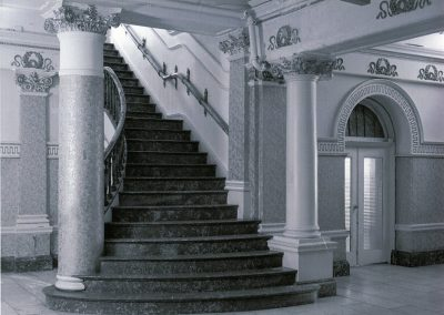 85-historic_71-whitish-photo-of-staircase-min